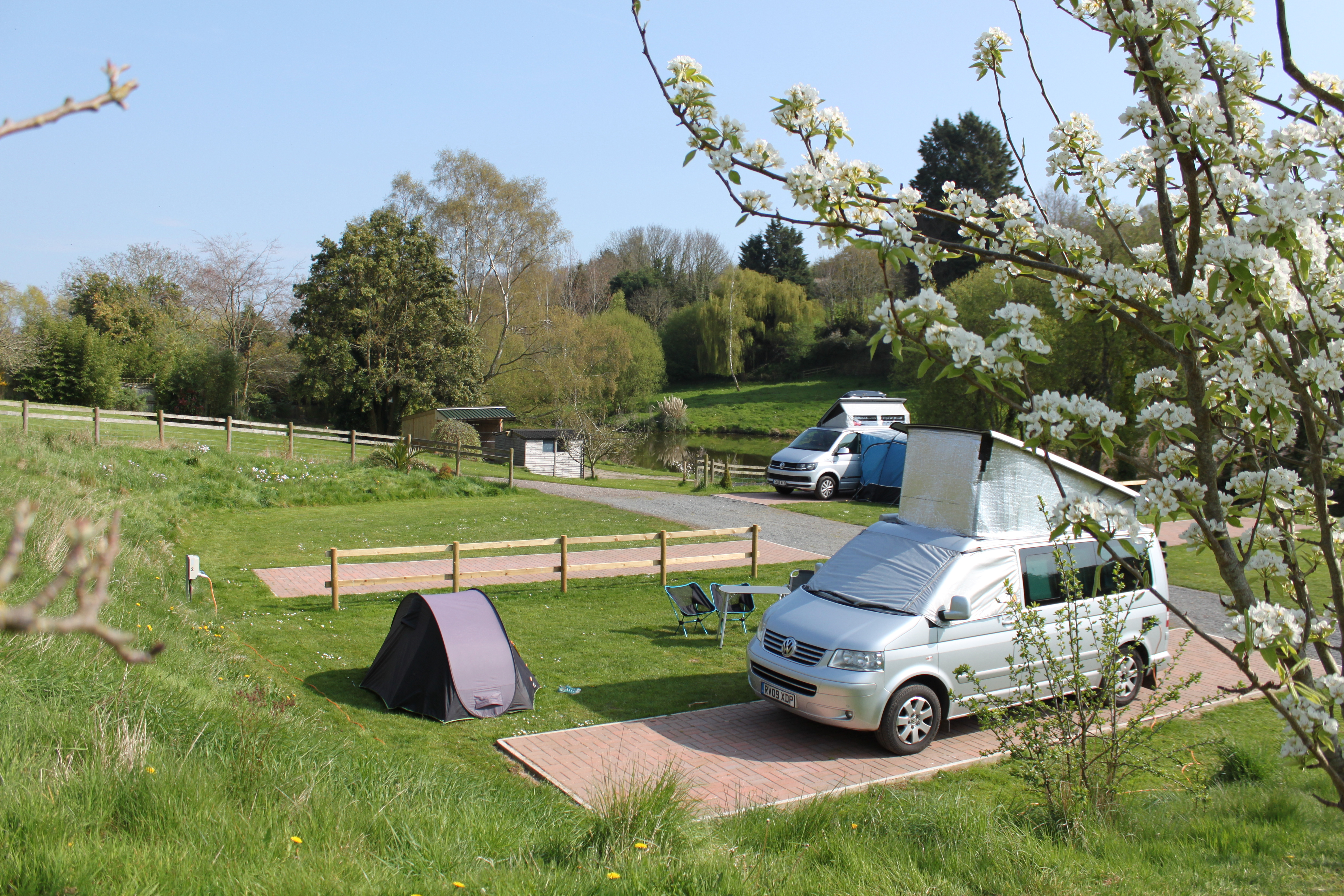 hardstanding hard standing motorhomes campervans campers caravans touring south devon dawlish starcross powderham kenton